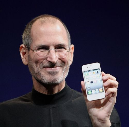 Steve_Jobs_Headshot_2010-CROP-1